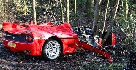 Supercars accidentées