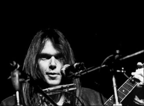 D'une voix haut perchée et nasillarde, Neil Young - sempiternel activiste - avait épinglé (1972) un état du sud américain pour son ségrégationnisme : lequel et dans quel album ?