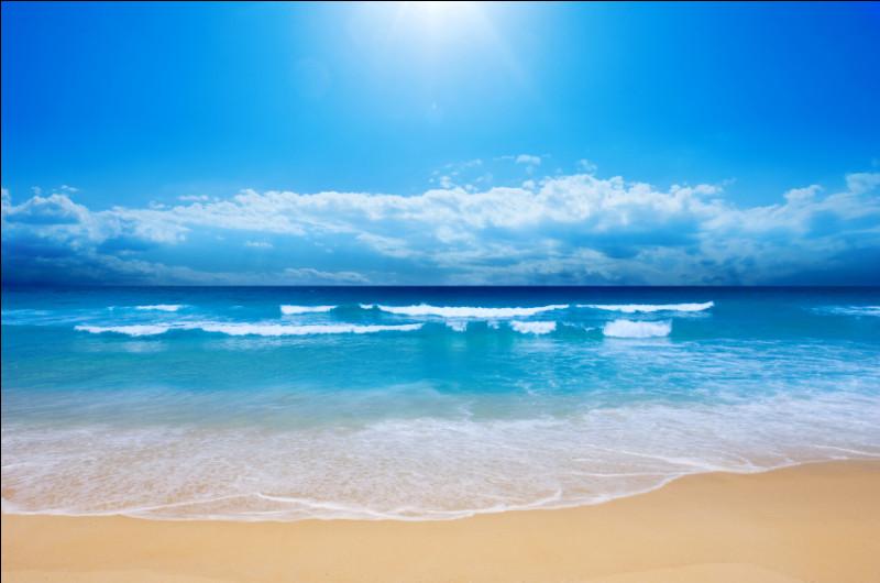 Dieu des mers et des océans, je suis symbolisé par un trident, j'ai pour enfant un cyclope du nom de Polyphème.Qui suis-je ?
