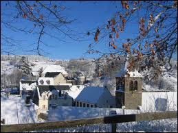 Commune d'Auvergne-Rhône-Alpes, dans l'arrondissement d'Issoire, Murat-le-Quaire se situe dans le département ...