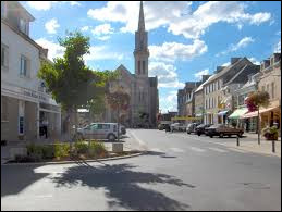 Petit tour en Bretagne, à Broons. Ville de l'agglomération Dinannaise, elle se trouve dans le département ...