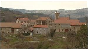 Petit village de 72 habitants, dans l'arrondissement du Puy-en-Velay, Lafarre se situe ...
