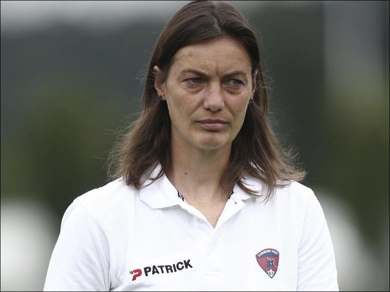 De quel pays est originaire l'entraîneuse de football Corinne Diacre ?