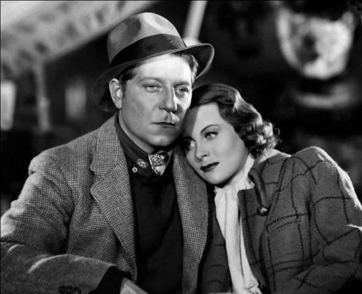 """Quel cinéaste français a réalisé le film """"Le Quai des brumes"""" (1938) ?"""