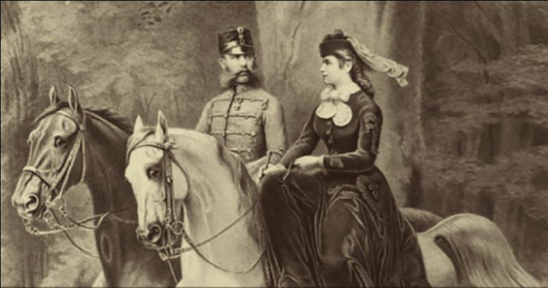 Elle était l'une des meilleures écuyères du XIXe siècle : le roi lui, est un bourreau de travail. Les époux se voient rarement et leurs styles de vie les éloignent : elle part souvent soigner sa tuberculose et sa lassitude à Madère, Corfou et Venise.L'ancienne duchesse du Wittelsbach, sera assassinée le 10 septembre 1898 : l'empereur ne se remettra pas de sa disparition.Qui étaient-ils ?