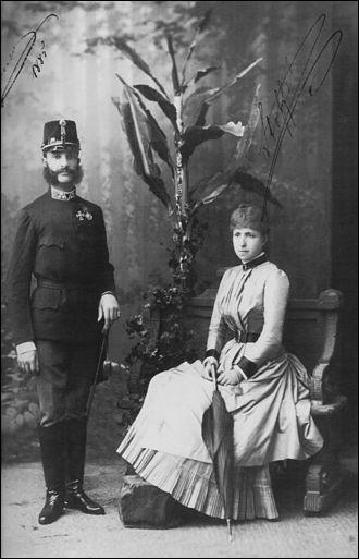 De la Maison de Bourbon-Anjou, il fut roi d'Espagne de 1874 à 1885. On lui donne le titre de « pacificateur ». ''Il est, à ce jour, le dernier roi d'Espagne à être mort sur le trône.''Nommez celui qui s'est présenté à son peuple comme un prince catholique, espagnol, constitutionnaliste, libéral et désireux de servir la nation.