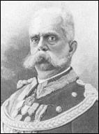Maison de Savoie, sa mère est Adélaïde de Habsbourg-Lorraine. Il a régné à une époque très agitée en Italie : sa mort tragique en témoigne.Quel est ce roi qui régna du 9 janvier 1878 jusqu'à son assassinat (1900) et qui est le père de Victor-Emmanuel III, le dernier roi d'Italie ?