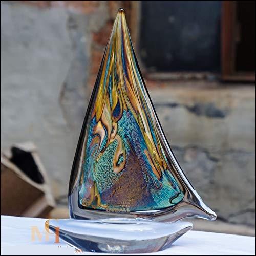 Quel village, près de Venise, est réputé pour ses souffleurs de verre ?