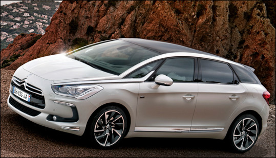 Quel est ce modèle de luxe à 5 portes du constructeur DS Automobiles ?