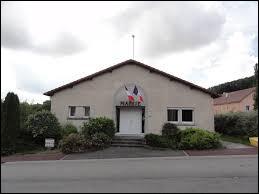 Nous sommes dans le Grand-Est, à Romain. Village du Lunévillois, qui a la particularité de ne pas posséder d'église, il se situe dans le département ...