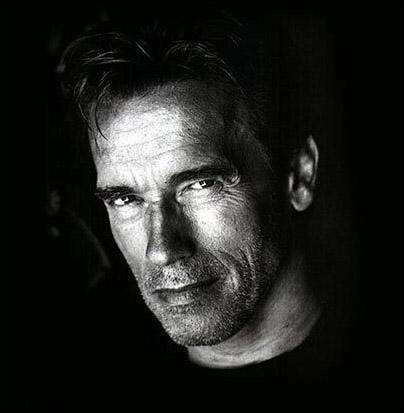 Arnold Schwarzenegger est dans la saga :