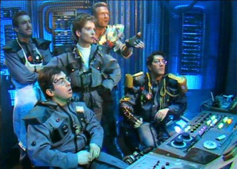 Quel est le titre de série télévisée créée par le groupe d'humoristes ''Les Nuls'' ?