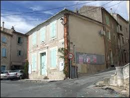 Commune d'Occitanie, dans l'arrondissement d'Alès, Saint-Victor-de-Malcap se situe dans le département ...