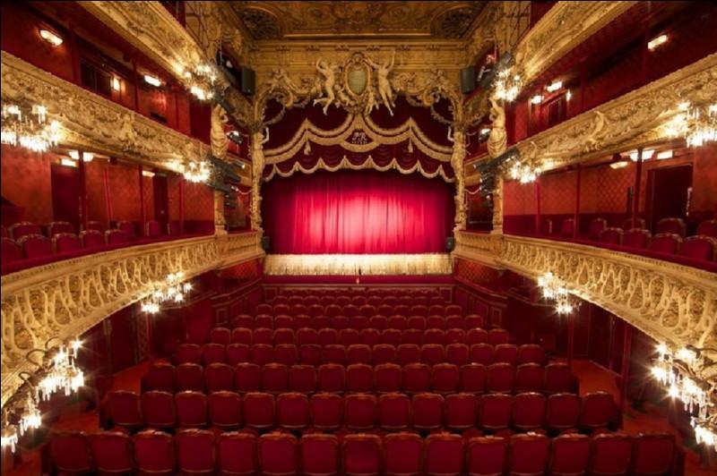 Qui est l'auteur philosophe de la pièce de théâtre ''Les Mouches'' ?