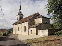 Vous avez sur cette image l'église Saint-Bénigne de Ménil-la-Horgne. Village du Grand-Est, dont le territoire est traversé la Route Nationale 4 (la RN4), il se situe dans le département ...