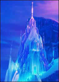 """Les paysages des films Disney sont tous tirés de la vraie vie. """"La Reine des neiges"""" n'y échappe pas et nous pouvons même retrouver son château de glace... mais où ?"""