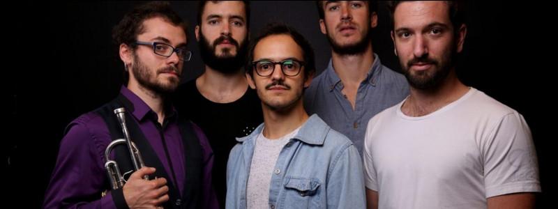 Rue des Airs est le nom d'un groupe de musiciens tarbais.