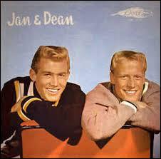 ''Surf City'' est un titre de Jan & Dean. La capitale du surf aux USA est Malibu, lieu de résidence de nombreuses stars. Parmi ces acteurs qui habitent cette ville, lequel a été le mari de Madonna ?