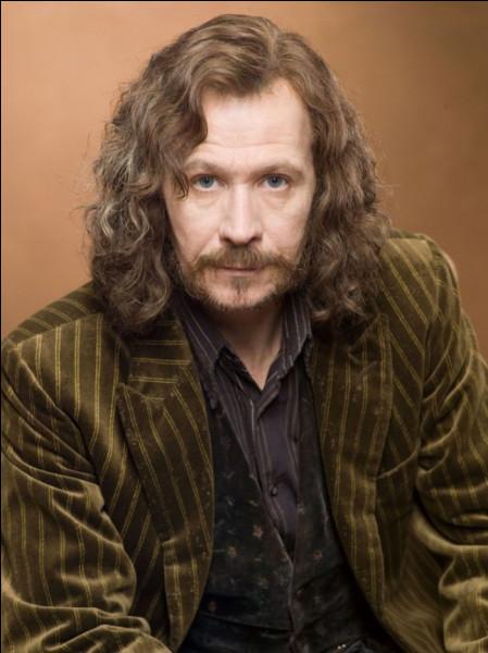 Sirius Black est dans la saga...