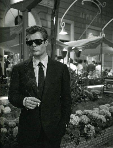 """Marcello Mastroianni, après """"Nuit blanche"""" et """"le Pigeon"""", connaît la consécration en 1960 avec son rôle dans ..."""