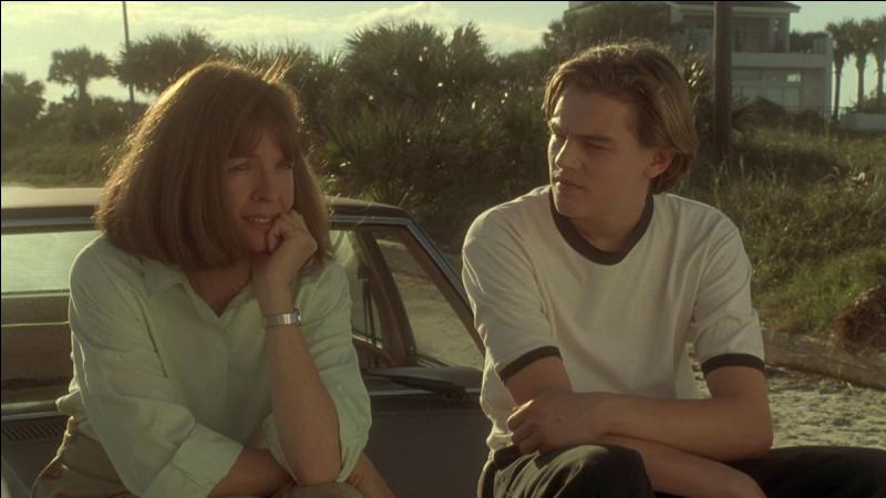 """Un an avec """"Titanic"""", Leonardo DiCaprio joue dans ce drame familial, où il partage l'affiche avec Meryl Streep, Diane Keaton et Robert De Niro."""