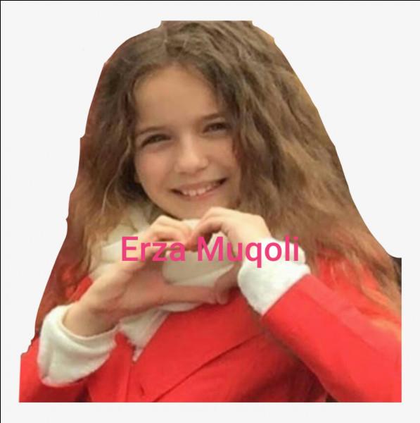 Quel âge avait Erza en mai 2016 ?