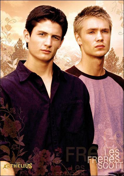 Qui sont les deux frères Scott ?