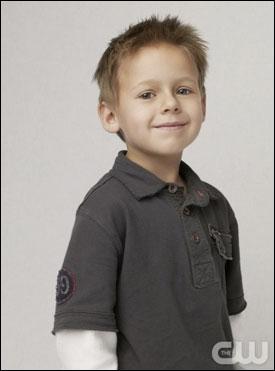 Comment s'appelle le fils de Nathan et Haley ?