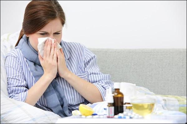 Ce virus présente un taux de létalité inférieur à celui de la grippe.