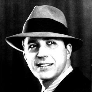 Ce chanteur compositeur argentin, acteur, considéré comme la figure la plus importante du tango, c'est ... Gardel.