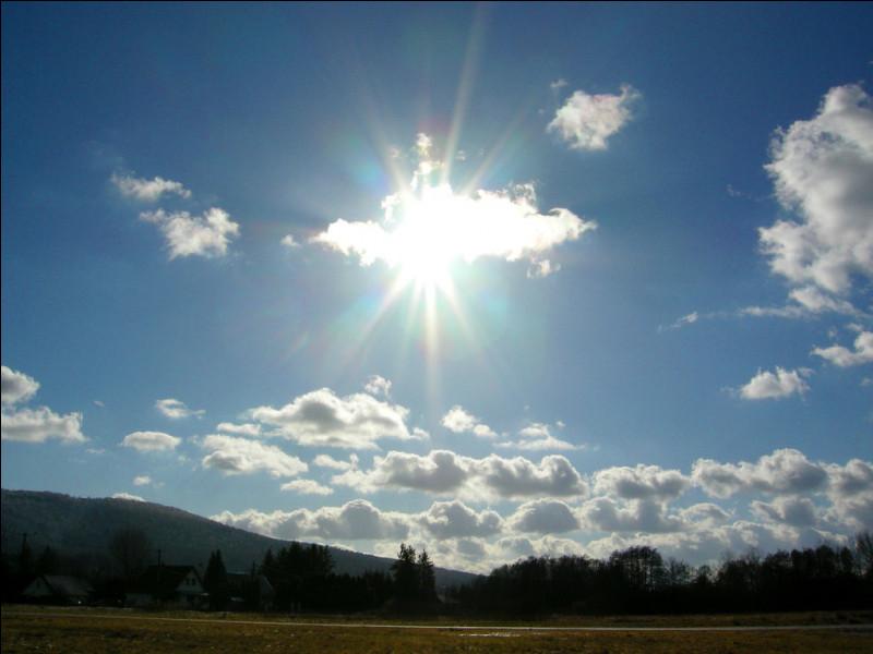 Quel élément le soleil contient-il le moins ?