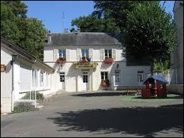 Commune Yvelinoise, dans la plaine de Versailles, Thivernal-Grignon se situe en région ...