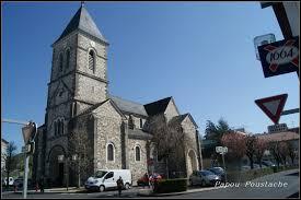 Je vous propose de commencer notre balade en Auvergne-Rhône-Alpes, à Arpajon-sur-Cère. Ville de l'aire urbaine d'Aurillac, elle se situe dans le département ...