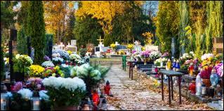 La Toussaint est un moment traditionnel de recueillement et de souvenir, on se rend donc au cimetière. Durant quelle saison cela a lieu ?