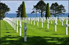 Dans quelle ville de Normandie peut-on voir un cimetière américain ?