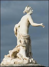 Dans la mythologie grecque, qui est la déesse de la Maternité et la protectrice des Enfants ?