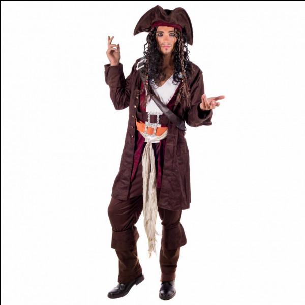 """Comment s'appelle le Capitaine joué par Johnny Depp dans la saga """"Pirate des Caraïbes"""" ?"""