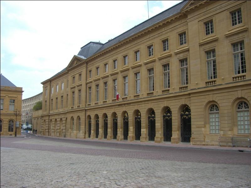 Dominique Gros, maire PS sortant, ne se représente pas. L'élection s'annonce ouverte entre le sénateur LR François Grosdidier, le député LREM Richard Lioger et Xavier Bouvet (PS/ EELV) dans cette ville de l'est :