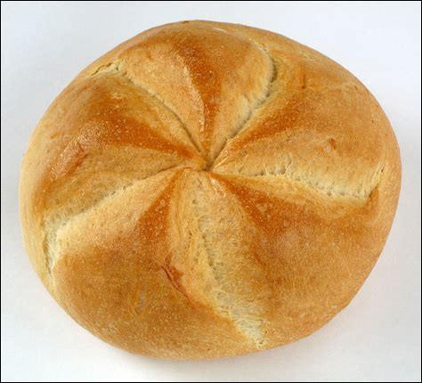 De quel pays est originaire le kaisersemmel ou petit pain empereur ?