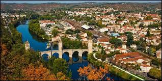 Comment appelle-t-on les habitants de la ville de Cahors ?
