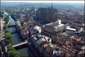 Quelle ville est la préfecture de la Moselle ?