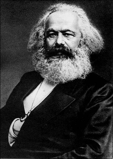 Qui est ce théoricien politique qui fut aussi historien et philosophe ?