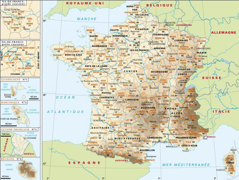 En quelle année les régions ont-elles été reconnues par la Constitution ?