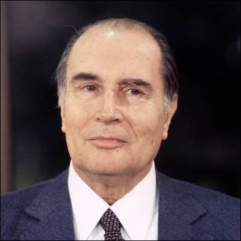 Cet homme politique, président de la République de 1981 à 1995, se prénomme ...
