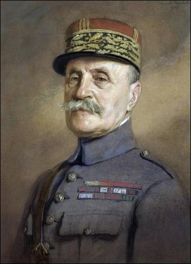Ce militaire, commandant en chef des armées alliées sur le front de l'Ouest dans les derniers mois de la Grande Guerre, fait maréchal de France en août 1918, se prénomme ...