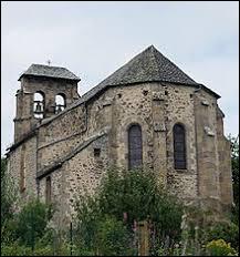 Voici l'église Saint-Jean-Baptiste du Monteil. Commune Cantalienne, elle se trouve en région ...
