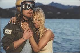"""Dans le clip de la chanson de Julien Doré """"Le lac"""", quelle femme célèbre voit-on ?"""