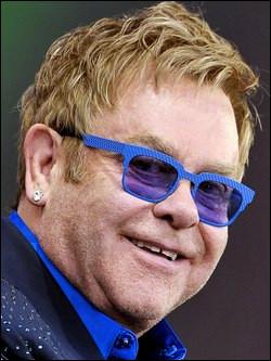 Qui est cet Elton, auteur-compositeur-interprète, pianiste et acteur anglais ?