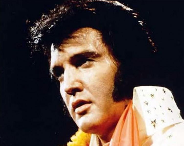 Qui est cet Elvis, chanteur et acteur américain, icône majeure du XXe Siècle, mort en 1977 ?