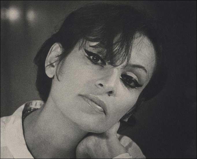 Qui est cette chanteuse, auteure-compositrice-interprète, morte en 1997 ?